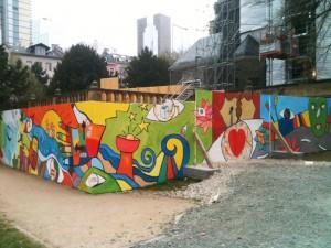 Bauzaun delight, Gestaltung mit Jugendlichen, Sankt Peter Frankfurt
